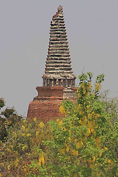 Thailand Pages; Ayutthaya and Bang Pa-In - the Ancient Capital of Thailand. Just north of Bangkok on the plains of the Chao Phraya River, there is a vast collection of crumbling ruins, temples and statues, the faded remnants of a once glorious civilisation. This is Ayutthaya