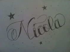 Dibujo hecho a lápiz - Tatuaje con el nombre de Nicola