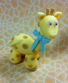 Items similar to Fondant Baby Giraffe with a Bow, Perfect for Baby Showers - Cake or Cupcake Decorations on Etsy Fondant Baby, Fondant Cakes, Giraffe Cakes, Cake Decorating With Fondant, Fondant Tutorial, Fondant Figures, Edible Art, Cakes And More, Baby Shower Cakes