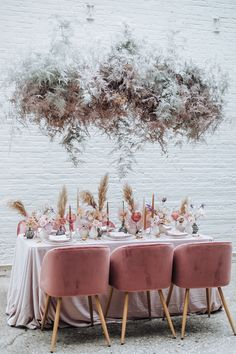 La Tavola Fine Linen Rental: Velvet Pink with Tuscany Light Pink Napkins Table Place Settings, Wedding Table Settings, Dusty Rose Wedding, Wedding Flowers, Floral Wedding, Grass Decor, Flower Places, Flower Installation, Pink Table