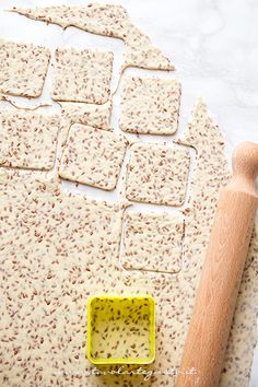 Crackers senza lievito, veloci e facili, Biscuits, I Love Food, Good Food, Crackers Appetizers, Club Crackers, Kenwood Cooking, Cooking Recipes, Healthy Recipes, Food Humor