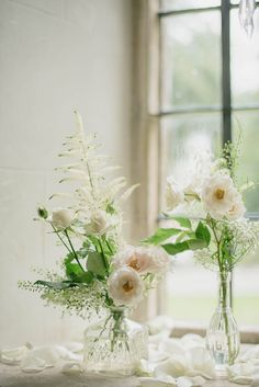Organic white flowers in bottles| Ria Mishaal Photography | Bridal Musings Wedding Blog 8