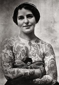 """Edith Burchett, the wife of """"Professor"""" Burchett, the King of Tattooists, London ca.1920"""