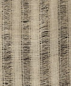 Rita Beales | plain weave with openwork warp | hand-spun linen: fine + medium z singles | 536 cm x 54.5 cm | U.K. | undated: estimated c. 1926–'79