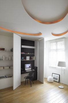 Apartment in France by Bismut & Bismut Architectes Office Nook, Study Office, Office Den, Built In Desk, Hidden Desk, Small Home Offices, Contemporary Home Offices, Parisian Apartment, Home Office Design