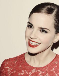 Emma Watson's hair & make up is so pretty!!!