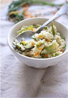 C'est un risotto très doux en saveur qui m'a été inspiré par l'arrivé du printemps. Du lait de coco, des pois gourmands, des petits pois et des petits dés