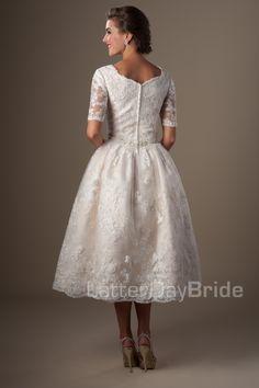 modest-wedding-dress-santurno-back.jpg