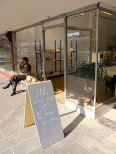 Brand new specialty coffee spot in De Baarsjes run by two very amiable guys who know their stuff.