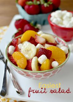 Top 10 Best Fruit Salad Recipes Perfect for an Origami Owl jewelry bar party with me! Best Fruit Salad, Fruit Salad Recipes, Fruit Salads, Fruit Dishes, Food Dishes, Side Dishes, Healthy Snacks, Healthy Eating, Healthy Recipes