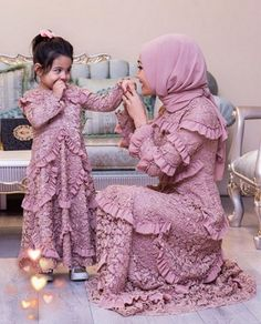 Likes, 9 Kommentare - Hijab Fashion Inspiration ( . Fashion Kids, Fashion Couple, Women's Fashion, Mom Dress, Baby Dress, Family Outfits, Kids Outfits, Mom Daughter Matching Dresses, Mother Daughter Fashion