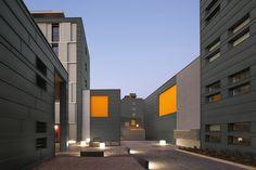 Wohngebäude in der Oberflächenqualität prePATINA schiefergrau