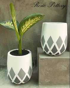 Small hand-painted pots, all things are done with care! #rosiepottery #pottery #vietnam #lightweight #cement #concrete #grc #pots #planters #manufacturer #vietnamese #painted #handpainted