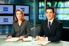 La princesa de Asturias, doña Letizia Ortiz, durante su etapa como presentadora de los telediarios de TVE, en 2003, año en el que se comprometió con el príncipe Felipe.