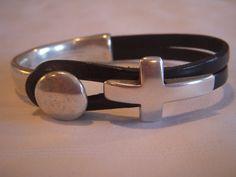 Silver+and+leather+cuff+bracelet.++Black+by+Lisalousfancybeads,+$25.00