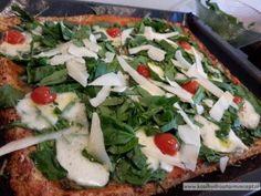 bloemkoolpizza Low Carb Recipes, Healthy Recipes, Healthy Food, Low Carb Pizza, Vegetable Pizza, Italian Recipes, Menu, Easy Meals, Paleo