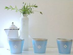 how-to-upcycle-cheap-flower-pots-container-gardening-crafts-gardening (1)