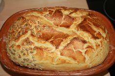 Keine Zeit zum Bäcker zu gehen? Dann backe dein Brot selbst! Ruck, zuck im Ofen und noch schnellerverspeist. #daskochrezept #roemertopf #brot #brotbacken #baecker #ruckzuck #schnell #einfach Tasty Bread Recipe, Bread Recipes, Baking Recipes, Pampered Chef, German Bread, No Bake Granola Bars, Pomegranate Recipes, Baked Chicken Tenders, Baked Pumpkin