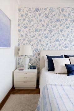 Open House | Conheça o apartamento da Deborah Apsan, ela tem mais de 20 anos desvendando, escolhendo e produzindo as casas mais interessantes que vemos nas principais revistas brasileiras. Imagine como é a dela?!