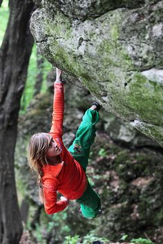 www.boulderingonline.pl Rock climbing and bouldering pictures and news Hanging