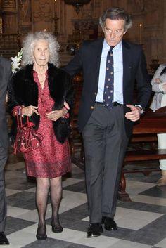 La Duquesa de Alba y Alfonso Diez comparten su devoción con la Hermandad de los Gitanos