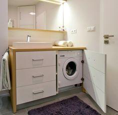 Без стиральной машины невозможно представить себе современную квартиру. Счастливые владельцы частных домов или квартир с большой ванной комнатой, могут позволить себе отвести в них специальное место под технику. Но что делать тем, чьи квартиры стандартной планировки, или вовсе маленькие «хрущевки»? Хороший выход из положения – мебель под стиральную машину, которая скроет от глаз технику без потери ее функциональности. #санузел #плитка #сантехника