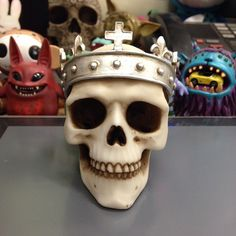 WIP New skull. Still working out problems with the crown.