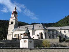 Maria_Luggau_im Lesachtal (Aut) Kirchen, Austria, Mansions, House Styles, Home, Decor, Snow, Mansion Houses, Dekoration