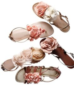 pink flowers, rose, fashion shoes, fabric flowers, spring weddings, flat, steve madden, bridesmaid shoes, sandals