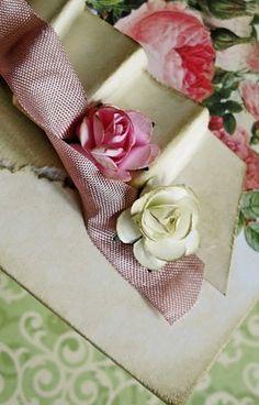 różyczki z zestawu kolorowego i miksu biało-kremowego