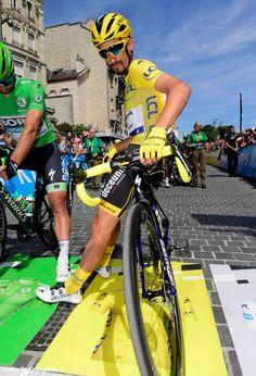 Elia Viviani won stage 4 of the Tour de France in the expected sprint finish. Bicycle Race, Bike, Adam Yates, Vincenzo Nibali, Geraint Thomas, Tony Martin, Mtb, Fastest Man, Football