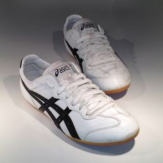 asics whizzer lo sst weather