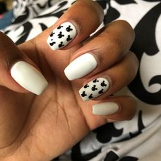 Are you looking for cute disney nail art designs 2018? Nail designs like cute Mickey Mouse, beautiful Cinderella, and icy Frozen will surely brighten up your day just by looking at your nails!