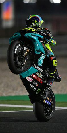 Yamaha Motorbikes, Yamaha Yzf, Ducati, Motogp Valentino Rossi, Valentino Rossi 46, Yamaha Logo, Gp Moto, Bike Pic, Bike Photoshoot