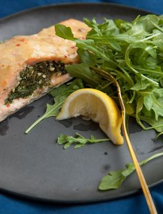 This Spinach Pesto Stuffed Salmon is so impressive and elegannt, yet simple to make. Pesto Spinach, Pesto Salmon, Spinach Recipes, Salmon Recipes, Dinner Dishes, Main Dishes, Great Recipes, Dinner Recipes, Recipe Ideas