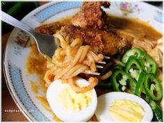 Easy Mee Rebus with Toast box's Asian Delight Ready-to-Cook Pastes http://budgetpantry.com/easy-mee-rebus/