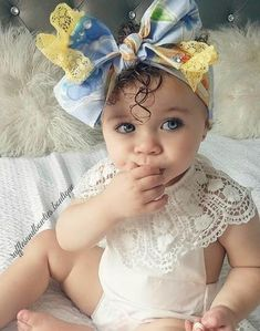 Girls Vintage Floral Off the Shoulder & Velvet Bummies Two Piece Set – Ruffles & Bowties Bowtique Cute Baby Girl, Cute Babies, Baby Kids, Toddler Fashion, Kids Fashion, Boho Romper, Baby Wedding, Mixed Babies, Pretty Baby