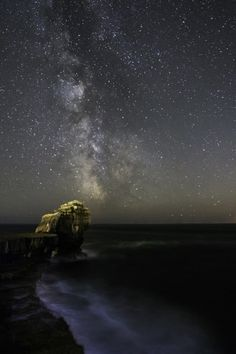 Milky Way over Pulpit Rock Portland Dorset, Jurassic Coast, Photography Workshops, Milky Way, Lighthouses, Northern Lights, Beautiful Places, Rock, Landscape