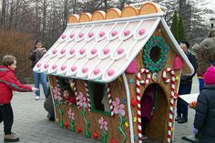 Gingerbread Playhouse at NY Botanical Gardens