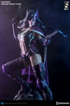 Huntress Premium Format Figure by Sideshow Collectibles