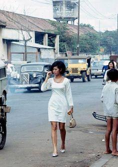 The old SAIGON Cambodia, Warfare, Saigon Vietnam, South Vietnam, Vietnam History, Vietnam War Photos, Mod Fashion, Vintage Fashion, Vintage Beauty