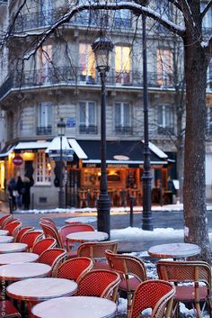 Beautiful Île Saint Louis in the snow , Paris