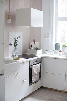 7 Satisfied Clever Ideas: Minimalist Interior Ideas Desks minimalist bedroom diy – Home Diy Organizations Cool Kitchens, Rustic Kitchen Design, Interior Design Kitchen, Minimalist Decor, Home Decor, Home Kitchens, Minimalist Kitchen, Minimalist Bedroom Diy, Kitchen Paint