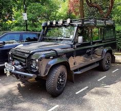 Didn't think you were a fan of Defenders @darrencassey? This 110 is awesome!! #LandRoversofLondon #LandRover #LandRoverDefender #Defender #defender110 #rangerover #discovery #landy #offroad #bespoke #chelseatractor #4x4 #London #England by landroversoflondon Didn't think you were a fan of Defenders @darrencassey? This 110 is awesome!! #LandRoversofLondon #LandRover #LandRoverDefender #Defender #defender110 #rangerover #discovery #landy #offroad #bespoke #chelseatractor #4x4 #London #England