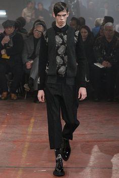 Alexander McQueen - Fall 2015 Menswear - Look 9 of 33