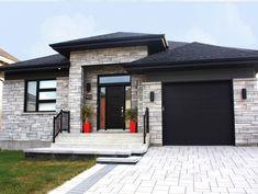 Habitations Iso-Design - Nos modèles / Le Mégan 2 Loft House Design, Bungalow House Design, House Front Design, Dream Home Design, Small House Exteriors, Modern House Facades, Dream House Exterior, Dream House Plans, Stucco And Stone Exterior