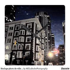 Horloge photo de ville la nuit