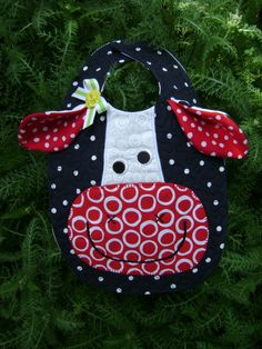 Baby bibs, Decide to purchase infant bibs along with multipack bibs, coverall bibs, tired grow bibs, crumbcatcher bibs. Quilt Baby, Burp Rags, Burp Cloths, Baby Sewing Projects, Sewing For Kids, Baby Kind, Baby Love, Baby Bibs Patterns, Bib Pattern
