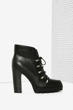Report Poe Lace-Up Ankle Boot | Shop Shoes at Nasty Gal!