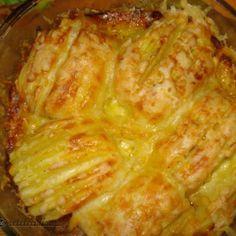 Cartofi-evantai cu cascaval Potato Recipes, Bread Recipes, Focaccia Bread Recipe, Romanian Food, Bruschetta, Lasagna, Love Food, Buffet, Cabbage